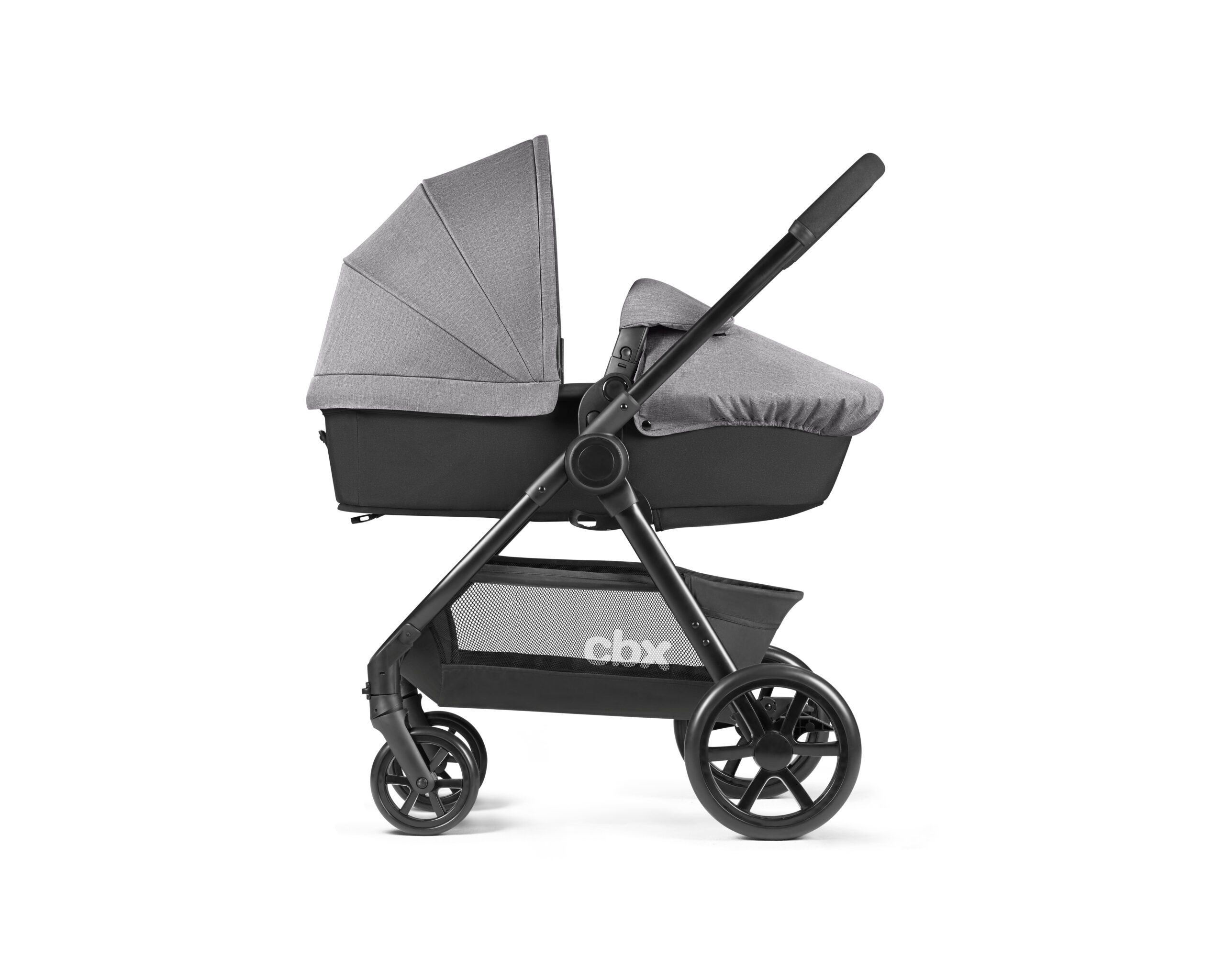 10_CBX_18_y090_ONIDA_With_Carrycot_02_DERV_HQ